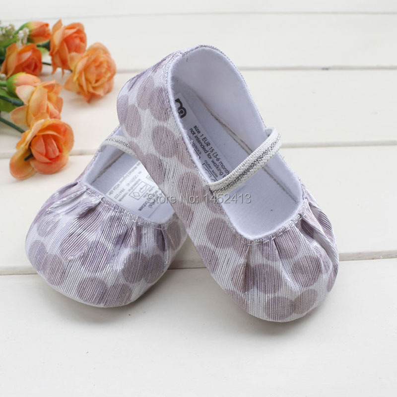 Aug 14,  · Babies grow out of shoes so quickly, almost as fast as you can buy them. Instead of investing a ton of money on little shoes that your baby never actually walks on, consider making simple shoes yourself. Making simple shoes for your baby can be a Views: 18K.