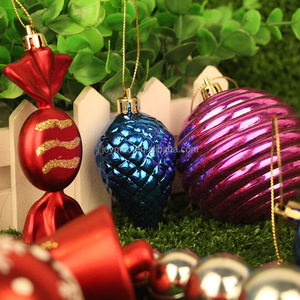China Wholesale Various Style Plastic Christmas Tree Ornaments for Decoration