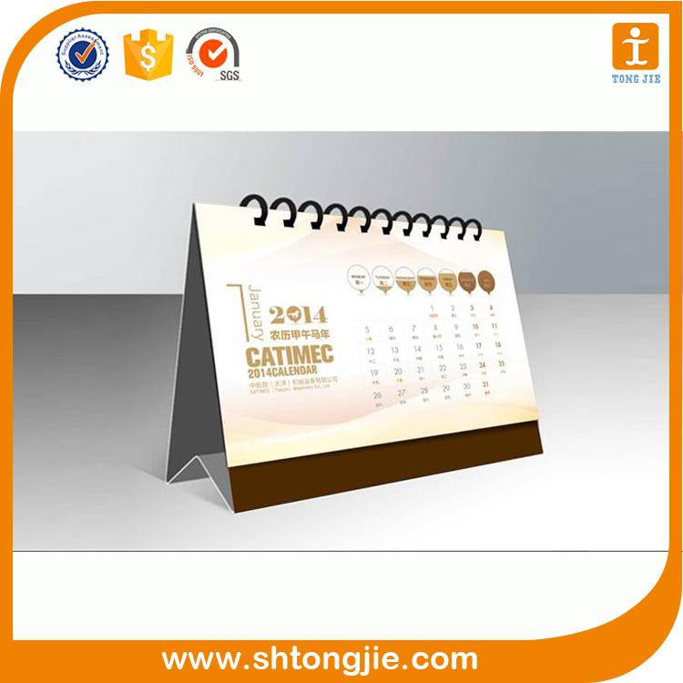 Karton afdrukken vouwen papier driehoek bureau kalender for Bureau kalender