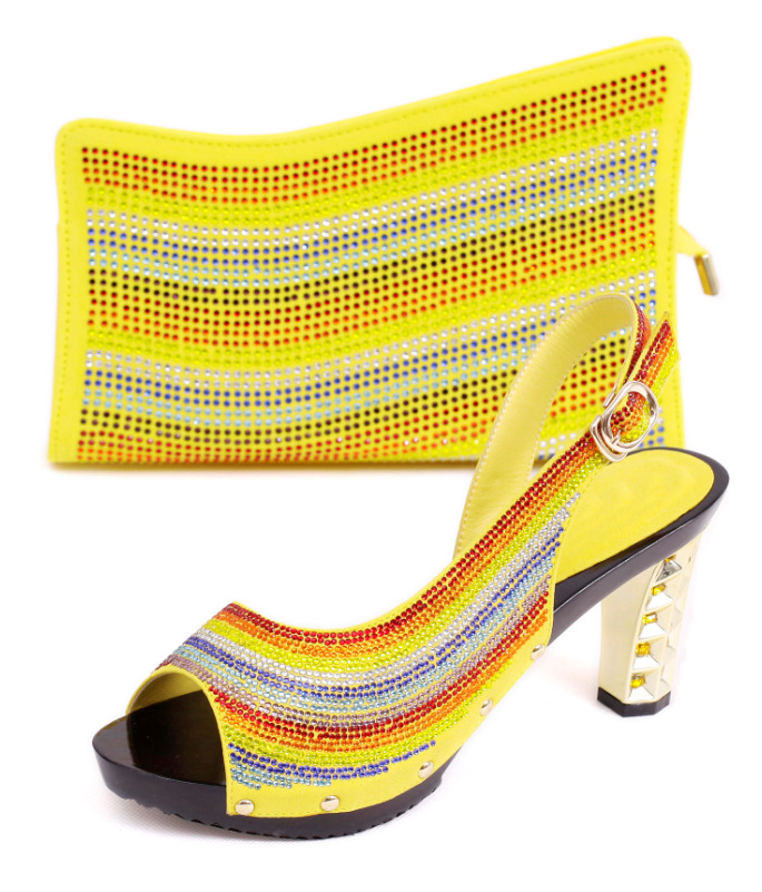 MD015-1386 Yellow Luxury Diamond African Rhinestones Woman Pumps With Bag Free  Shipping African Wedding Shoes And Bag Online 3e0397b79703