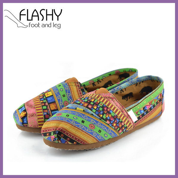 Wholesale Women's Woven Slip-on Classics Canvas Loafers Shoes