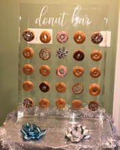 Unieke Custom hand made clear wit <span class=keywords><strong>acryl</strong></span> donuts stand plank snoep display houder voor winkel wedding party