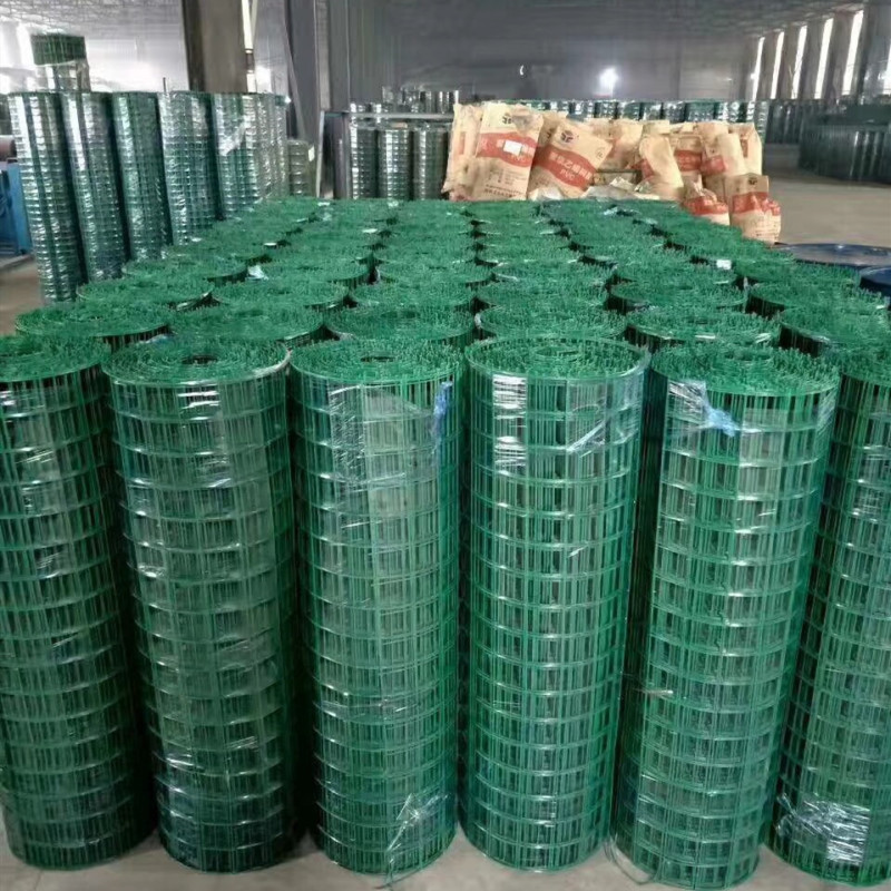 green PVC coated welded wire mesh fence