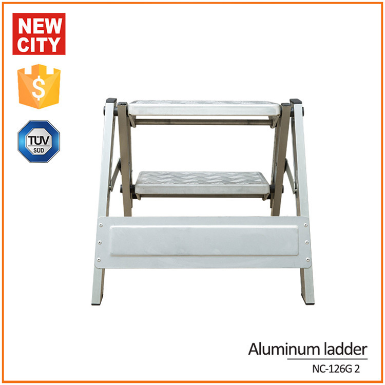 150kg Maximum Load Folding Low Level Aluminium Ladder