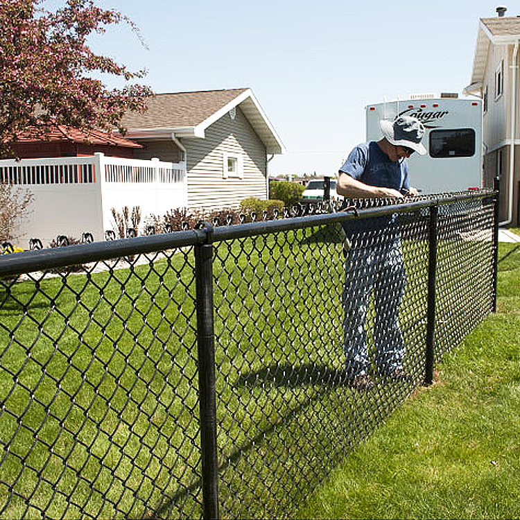 what gauge chain link fence should i use
