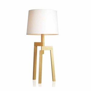 Small MOQ New American Country Design Decorative High Quality Retro Exquisite Wooden Table Lamp For Hotel Home Made In China