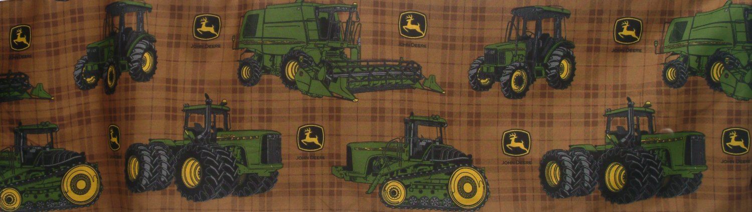 John Deere Bedding Traditional Tractor and Plaid Collection Bed Skirt, Queen