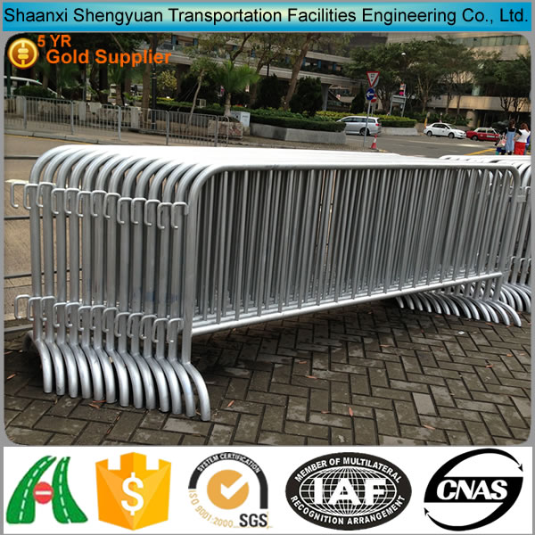 High security cheap control traffic/road/crowd barricade fence,removable fence barriers with kinds of fence base