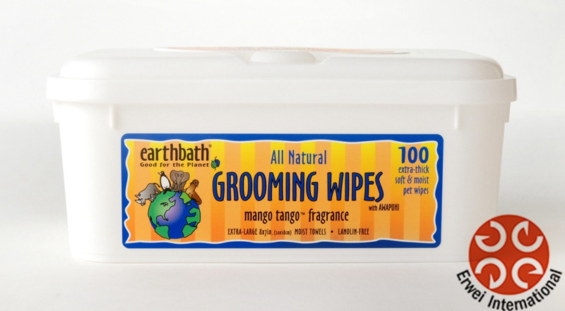 Baby wipes dogs
