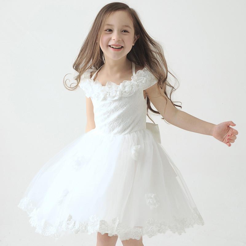 robe la mode robes blanches petites filles. Black Bedroom Furniture Sets. Home Design Ideas