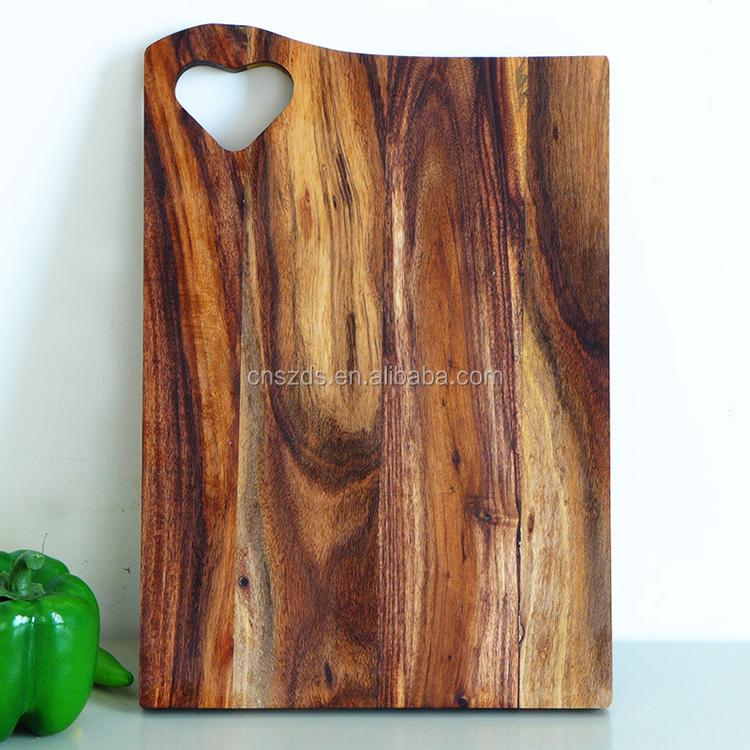 Bois coeur forme planche d couper amant planche for Planche bois sur mesure