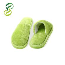 2015 Lovers Slippers Men Solid Coral Velvet Soft Warm Indoor Slippers Women Pantufa Cotton Home House Pink Green Floor Slippers