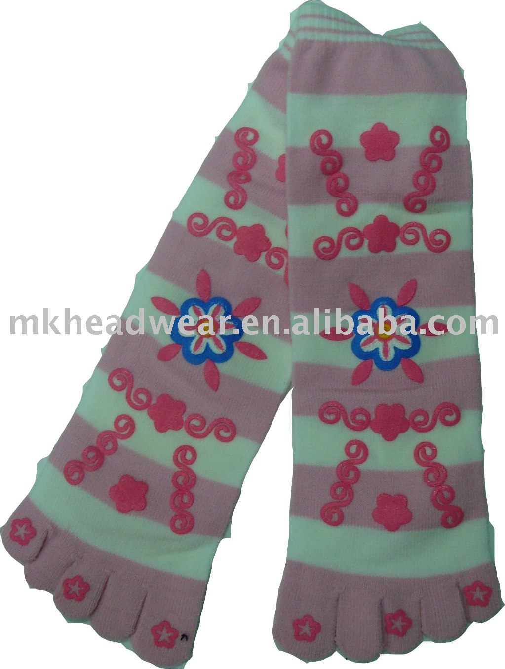 cute jacquard knitted five toe sock with patch emb