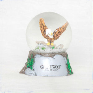 Wholesale Animal Wildlife Collection Eagle Water globe