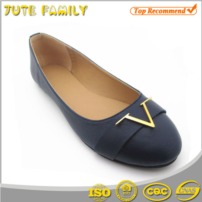 All kinds of Middle-aged china beautiful latest design lady flat shoes