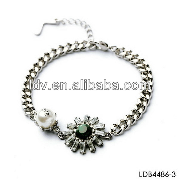 Daisy Pearl Flower Accessories For Dresses Crystal Encrusted Bangles Chain Bracelet