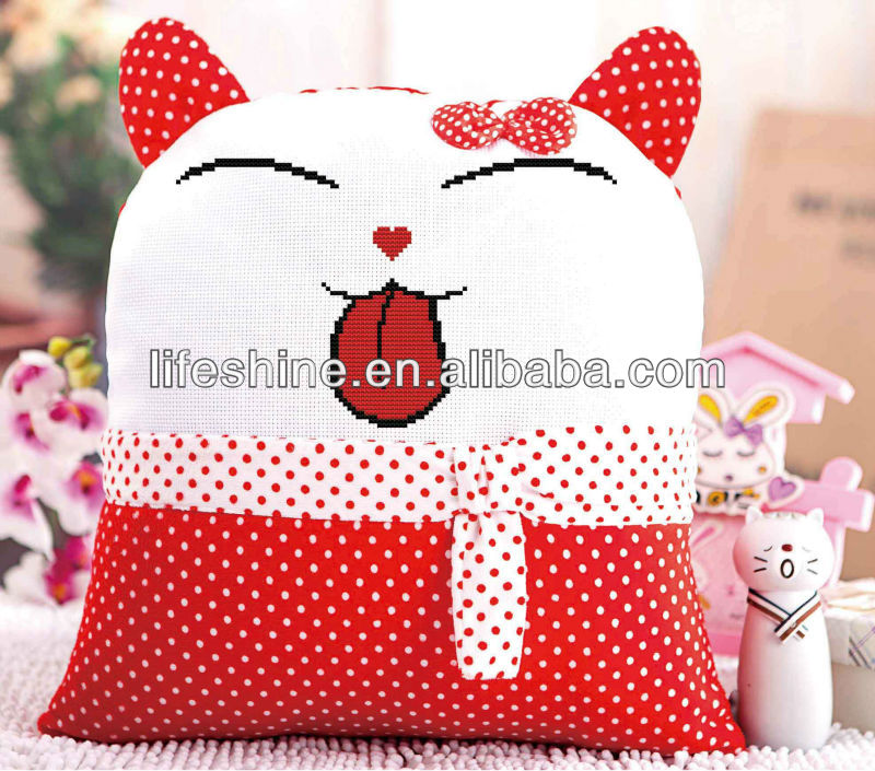 bantal cross stitch karya seni dengan tangan bordir