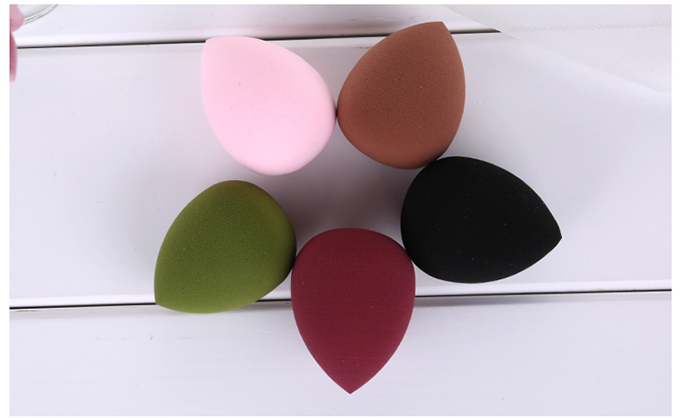 Hot selling latex free cosmetic powder puff flawless foundation makeup sponge blender