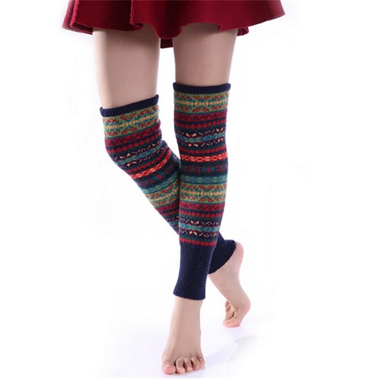 Las mujeres hasta la rodilla calcetines de punto de ganchillo ...