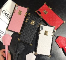 Kulit Square Case <span class=keywords><strong>Telepon</strong></span> untuk Samsung A10 A30 A50 A70 J6 Plus Fashion <span class=keywords><strong>Mewah</strong></span> Phone Case dengan Tali untuk iPhone 11 Pro XR X Max