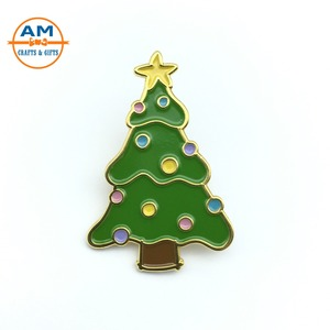 Gold Plated Christmas Tree Lapel Pin, Metal Soft Enamel Pin Badges With Christmas Tree Desgin