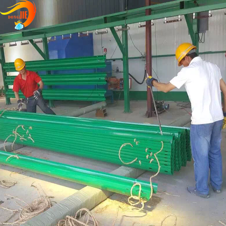 Corrugated zinc coated W beam guardrail Have a long service life