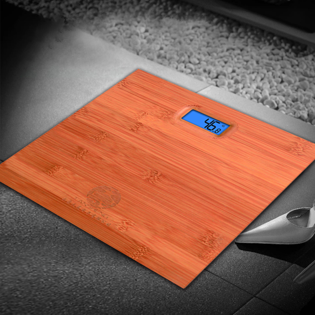 2020 wholesale Electronic digital weighing body bathroom weight scale 6mm tempered glass safety materials