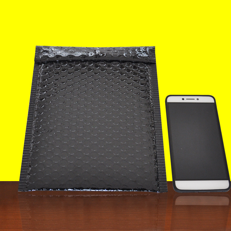 Customized size and color bubble mailer packaging bag