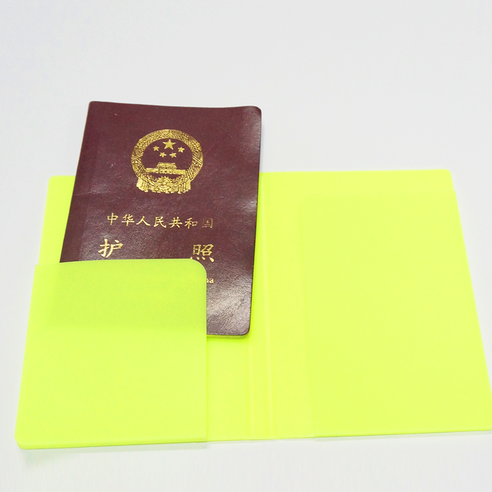 Good Quality Candy Color Collapsible Silicone Passport Holder