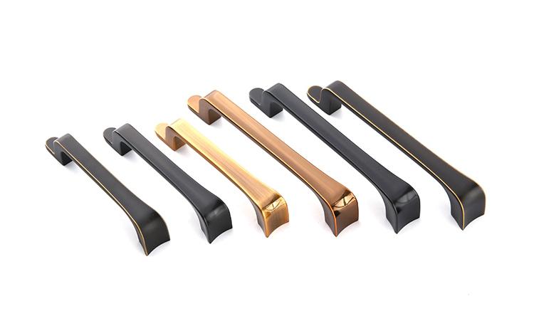 kitchen cabinet handles / pulls.JPG