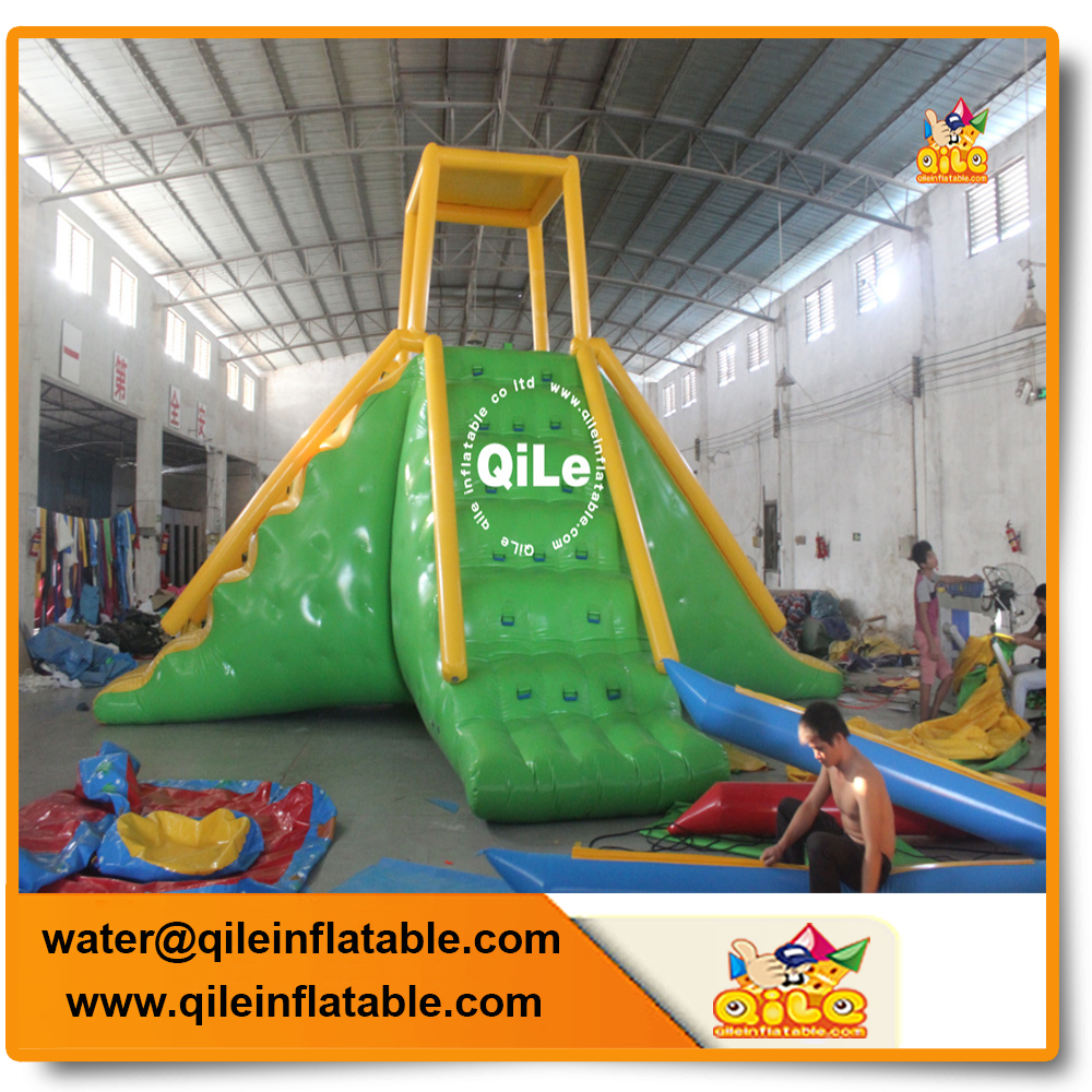 popular game Bouncia Giant Inflatable Floating Water Park Games