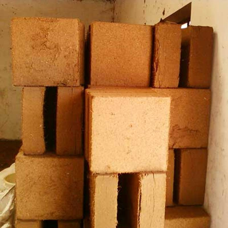 Coco Coir Peat bricks 650g Fines Washed