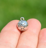 2016 Yiwu factory wholesale antique silver 13 x 10mm soccer ball charms