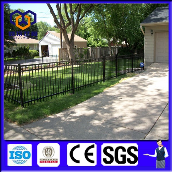 2017 low price Hot selling square tubular steel fence /waterproof pvc coated wall boundary steel grills fence design