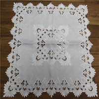 table runners and tablecloths