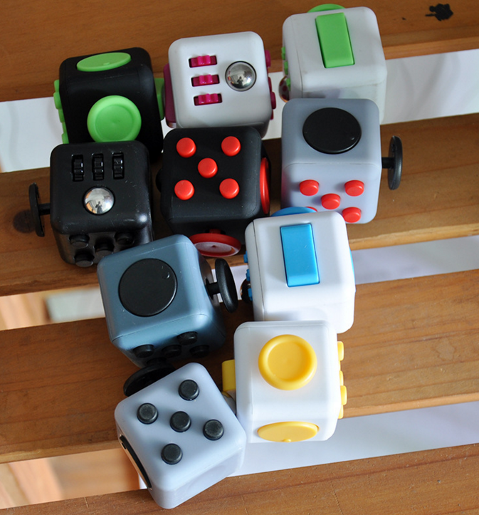 Magic Fidget Cube a vinyl desk toy Fidget Cube Anti-anxiety decompression decompression dice