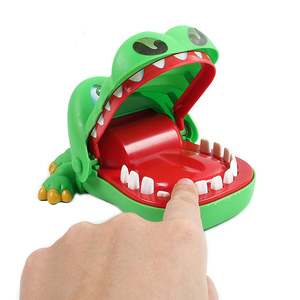 Large Crocodile Mouth Bite Finger Game Toys Funny Shark Bulldog Dentist Bite Finger Game Joke Toy for Kids Family Prank