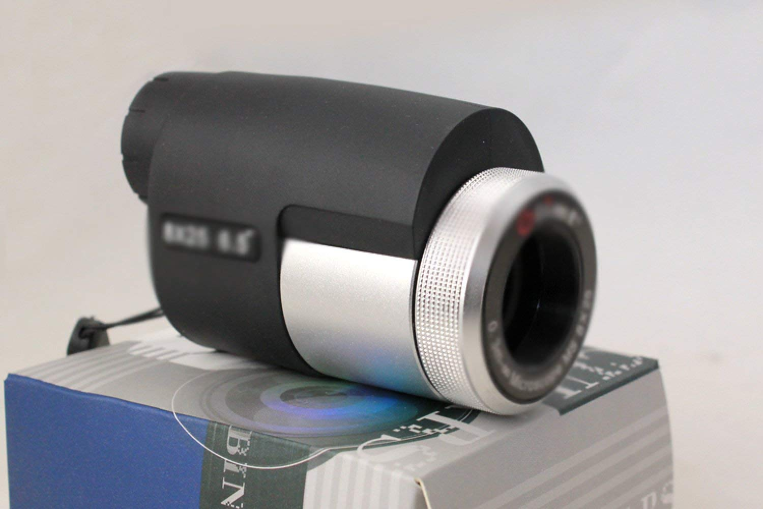 High powered compact monocular telescope zoom with dual