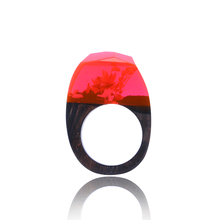 Wood and Resin Jewelry Factory Wholesale Amazon Hot Selling Red Ocean World Fashion Wood Ring for Women SJDYR001