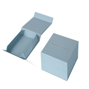 Wholesale custom print luxury white cardboard folding gift packing magnetic closure gift paper box