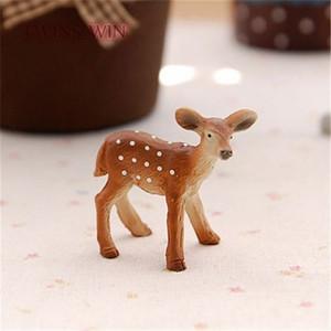 2018 online shopping deer style small resin crafts figurine for kids