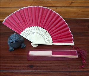 Made in China customized size and logo fabric hand held fan