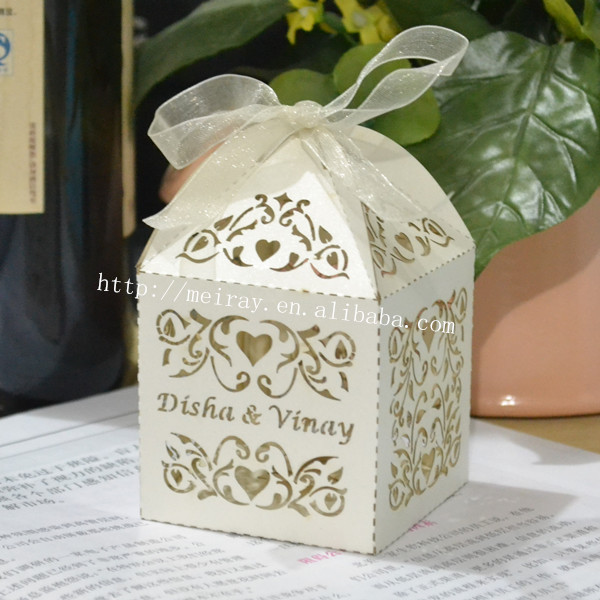 Sweet Love Vine Favor Boxes With Custom Names Ivory Red Personalised