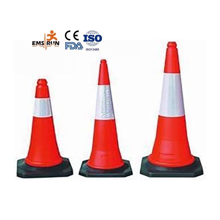 Düz kullanılan renkli yol güvenliği trafik koni