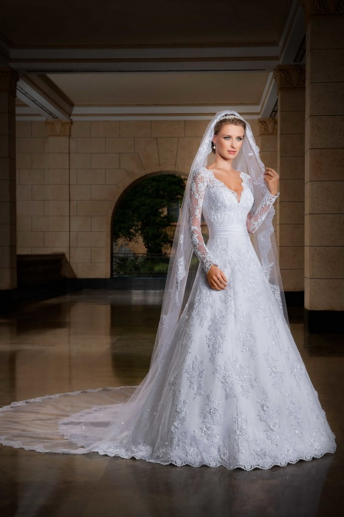 Hot sale long sleeve v neck appliqued saudi arabian arabic for Guangzhou wedding dress market