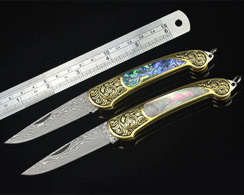 Damascus Steel Blade Engraving Brass Bolster with Shell Inlay Handle Folding Blade Collectable Damascus Knife Pocket Knife
