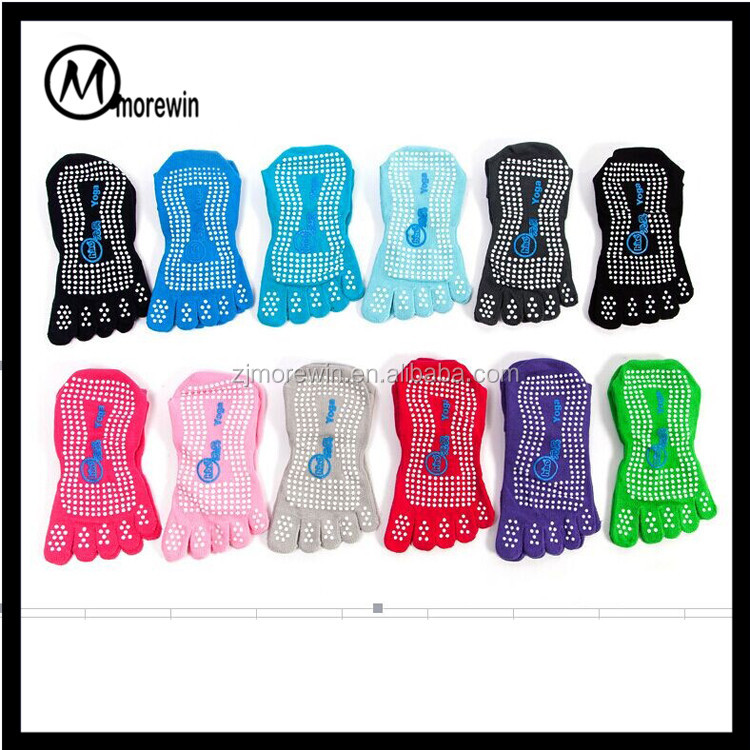 Morewin wholesale socks manufacturer made none slip five toe Pilates barre Yoga socks