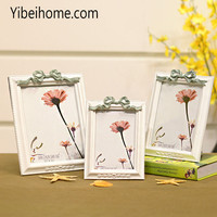 wholesale latest design 7 inch polyresin love funny photo frames