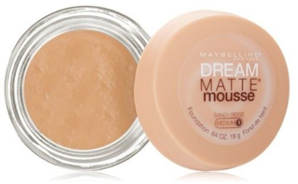 Maybelline Dream Matte Mousse Foundation – Sandy Beige (Medium 1)