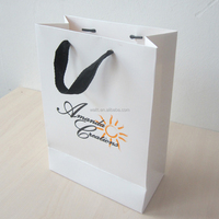 200pcs/lot 28*20*10cm cardboard door paper gift bag with your own logo cotton handle recycle paper bag print company design